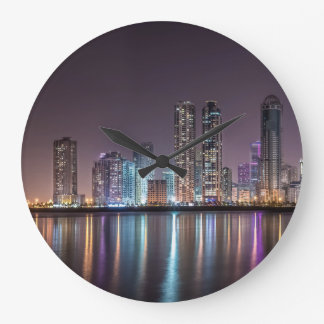 円形の大きい柱時計-都市夜 ラージ壁時計