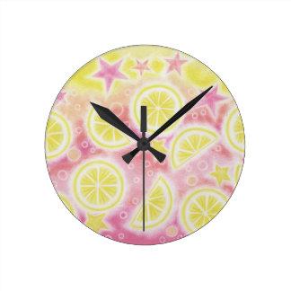 円形ピンクのレモネードの時計媒体 ラウンド壁時計