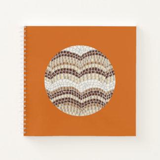 円形ベージュモザイク正方形の螺線形ノート ノートブック
