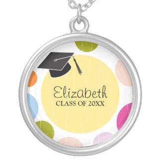 円形帽子及び点の卒業 シルバープレートネックレス