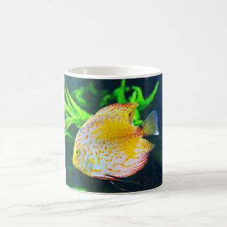 円盤投げの魚 コーヒーマグカップ