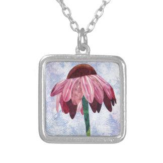 円錐形の花の芸術のキルト シルバープレートネックレス