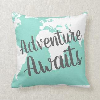冒険は世界地図及びミントを待ちます クッション