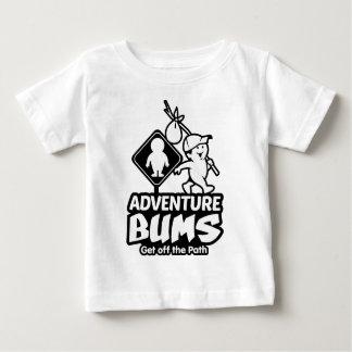 冒険は子供せびります ベビーTシャツ