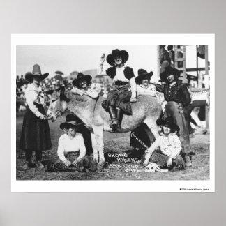 冗談にろばと提起している7人のロデオの女性のカーボーイ ポスター