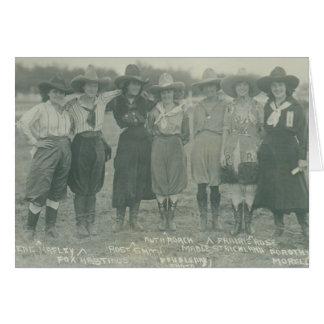 写真のために提起している7人のロデオの女性のカーボーイ カード