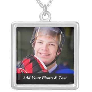 写真のアイスホッケーはネックレスを遊ばします シルバープレートネックレス