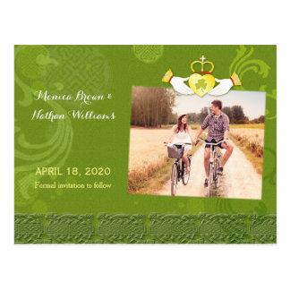 写真の保存を結婚するアイルランド人のCladdaghのハート日付 ポストカード