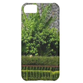 写真の完全な緑: 常緑AWGPの寺院の壁 iPhone5Cケース