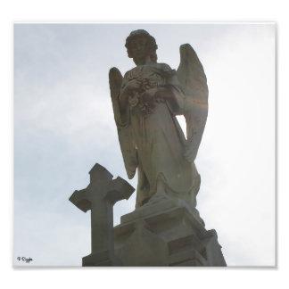 写真の拡大-石造りの天使および十字 フォトプリント
