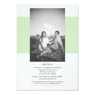 写真を持つシンプルなセージグリーンの結婚式招待状 カード