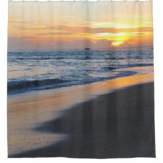 写真19のビーチの日没 シャワーカーテン