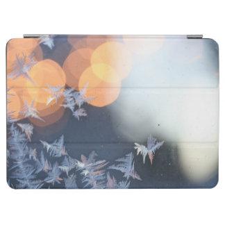 《写真》ぼけ味のきらめきを用いる窓のフロストパターン iPad AIR カバー