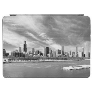冬のシカゴのスカイラインの全景 iPad AIR カバー