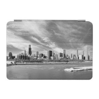 冬のシカゴのスカイラインの全景 iPad MINIカバー