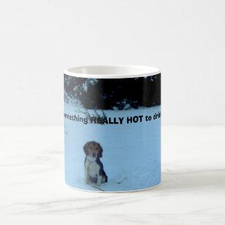 冬のビーグル犬! コーヒーマグカップ