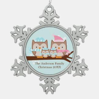 冬のフクロウの4人家族 スノーフレークピューターオーナメント