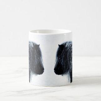 冬のマグのシェトランド諸島子馬 コーヒーマグカップ