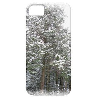 冬の不思議の国の森林のSnowyのクリスマスの木 iPhone SE/5/5s ケース