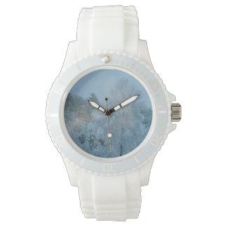 冬の不思議の国の腕時計 腕時計