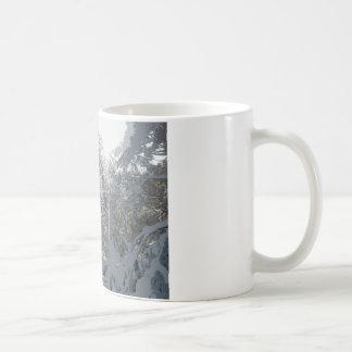 冬の不思議の国 コーヒーマグカップ