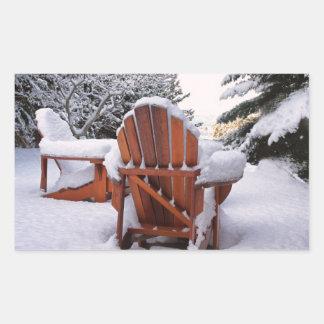 冬の写真のSnowy Adirondackの椅子 長方形シール
