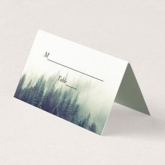 冬の森林松の木のエレガントでシックな結婚式 プレイスカード