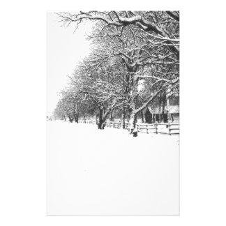 冬の歩行は通りを交渉します 便箋