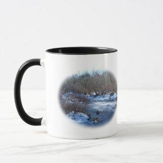 冬の沼地の池 マグカップ