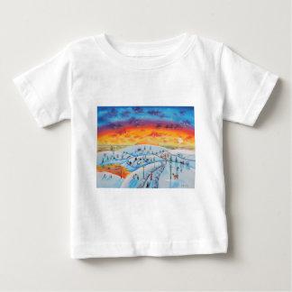 冬の町の民芸の冬の景色 ベビーTシャツ