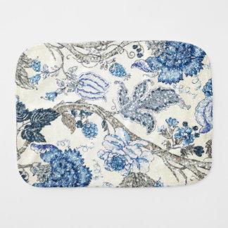冬の白のきらびやかで青い花柄 バープクロス