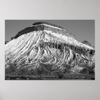 冬の白黒写真のMt.ガーフィールド ポスター