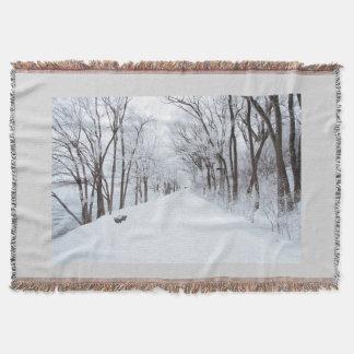 冬の道の森林ブランケットの家の装飾 スローブランケット