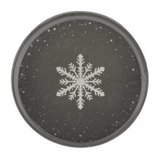 冬の雪片の白いチョークのスケッチ ガンメタル ラペルピン