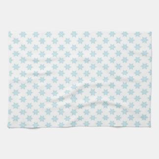 冬の雪片パターン青い休日のデザイン キッチンタオル