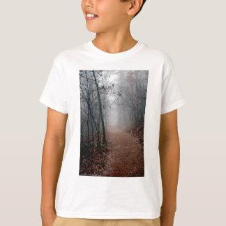 冬の霧-道のギフトの視力の端無し Tシャツ