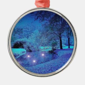 冬場面霜の降りたな紫色の荒野 メタルオーナメント