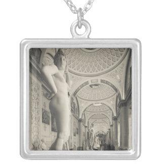 冬宮殿、エルミタージュ美術館、彫像のギャラリー2 シルバープレートネックレス