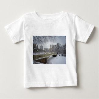冬-セントラル・パーク-ニューヨークシティ ベビーTシャツ