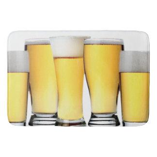 冷えたビールのガラス バスマット