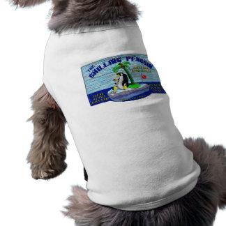 冷えるペンギンの小犬のTシャツ ペット服