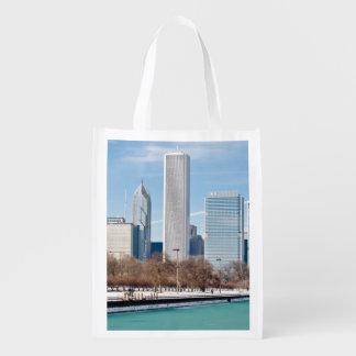 凍結するミシガン湖を渡るシカゴのスカイライン エコバッグ
