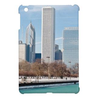 凍結するミシガン湖を渡るシカゴのスカイライン iPad MINI カバー