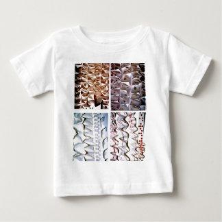 処理されたペーパーorigamiの折目 ベビーTシャツ