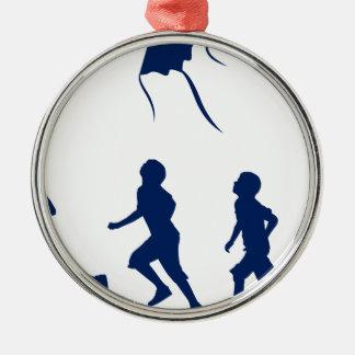 凧を飛ばしている子供 メタルオーナメント