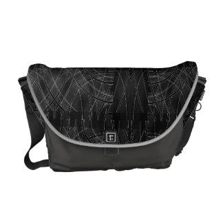 刃の鋭い技術によって歪められる格子縞のメッセンジャーバッグ メッセンジャーバッグ