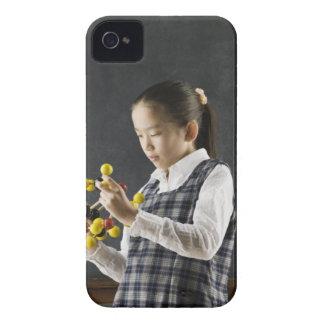 分子モデルを見ているアジア女の子 Case-Mate iPhone 4 ケース
