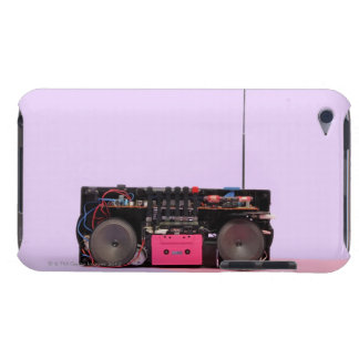 分解された携帯用ステレオ Case-Mate iPod TOUCH ケース