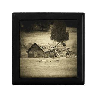 分野の古く素朴な小屋 ギフトボックス