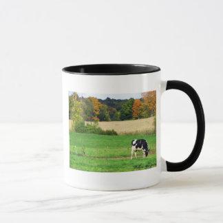 分野を牧草を食べること マグカップ